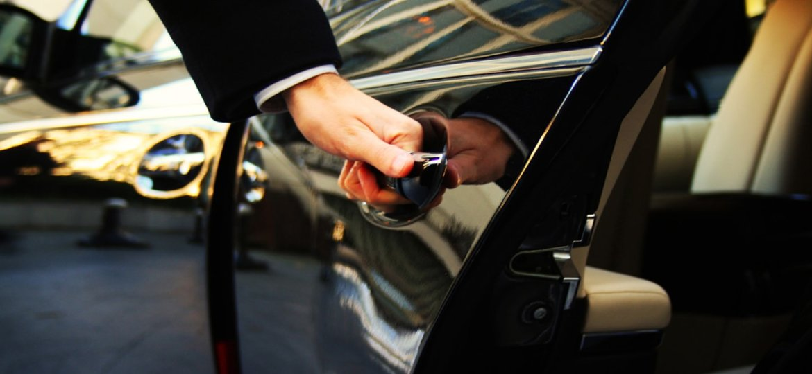 Chauffeured-and-Limousine-Services_0-min
